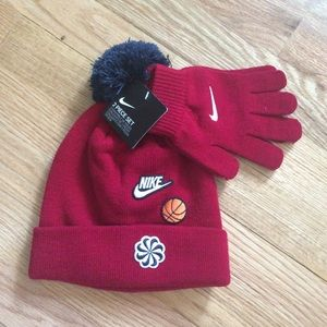 Nike boys hat and glove set